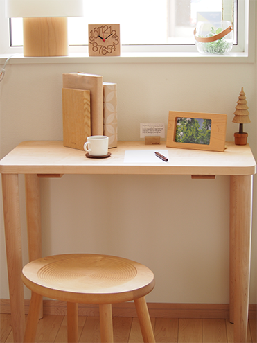 Beans stool, fit work table, bookend, bookstand, picture frame, MUKU watch, oval lamp