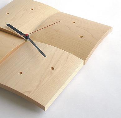Clock (R)